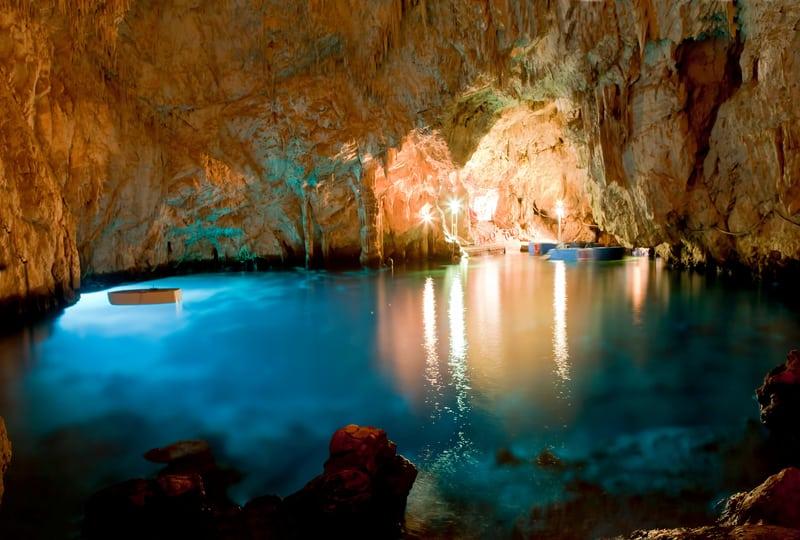 Zümrüt Mağarası Amalfi