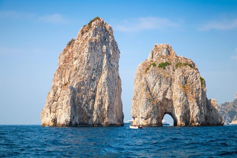 Faraglioni Capri Adası