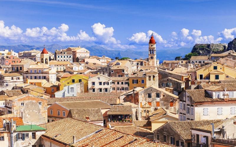Korfu Kasabası ve Otelleri