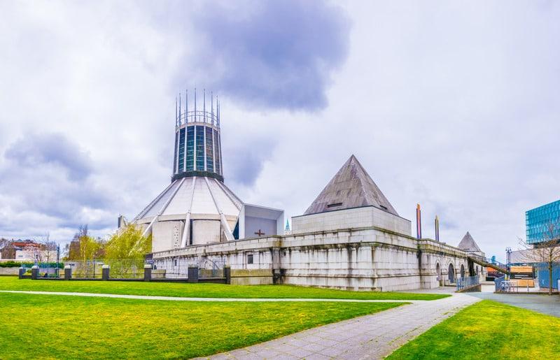 Liverpool Büyükşehir Katedrali