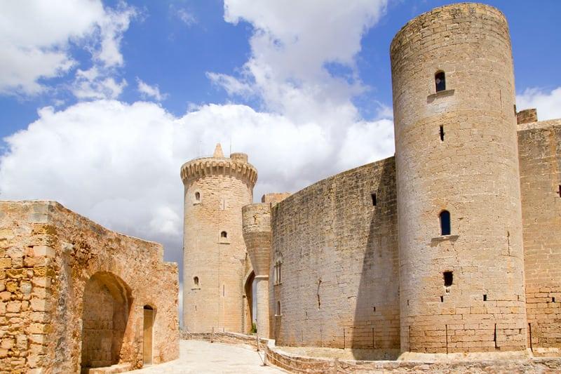 Bellver Kalesi - Mallorca Gezilecek Yerler