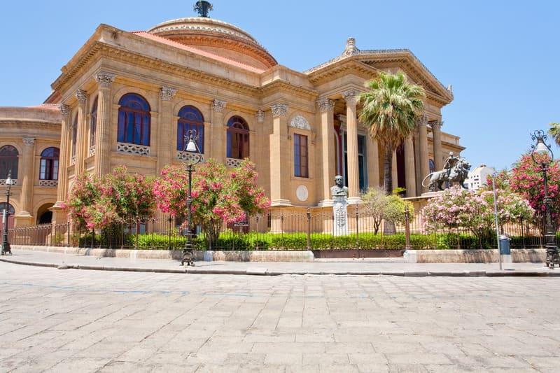 Massimo Tiyatrosu Napoli