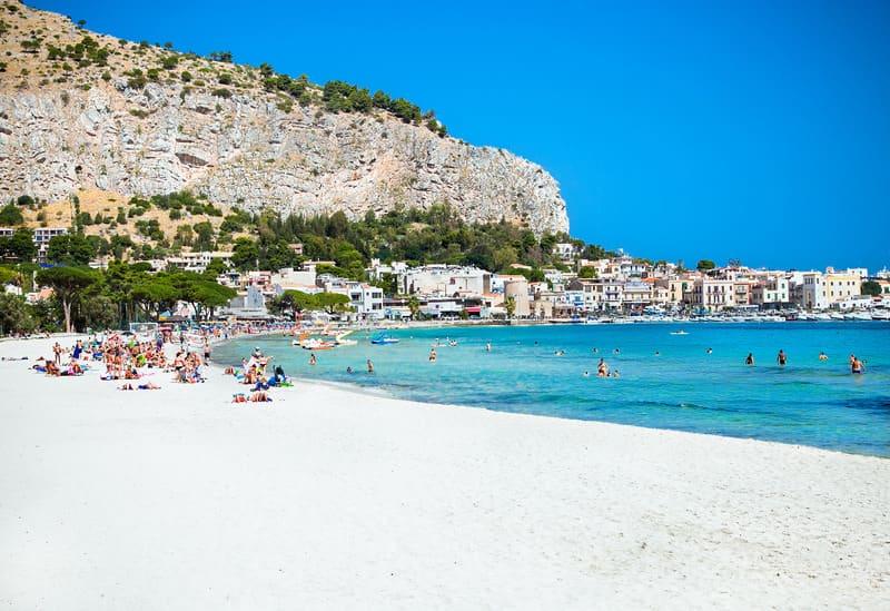 Mondello Plajı Palermo