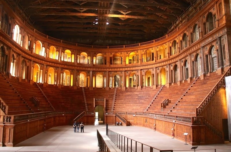 Farnese Tiyatrosu - Parma Gezilecek Yerler
