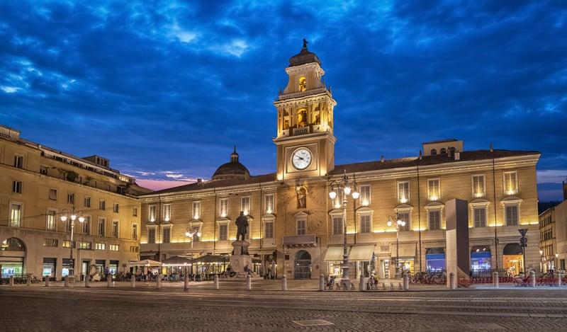 Garibaldi Meydanı - Parma Gezilecek Yerler