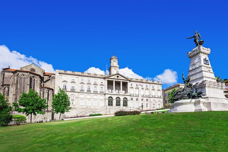 Borsa Sarayı - Porto Gezilecek Yerler