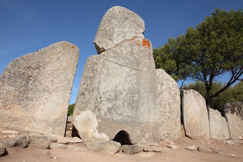 Arzachena Tarih Öncesi Siteleri