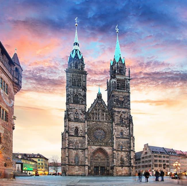Aziz Lawrence Kilisesi - Kaçırılmayacak dini yapılardan