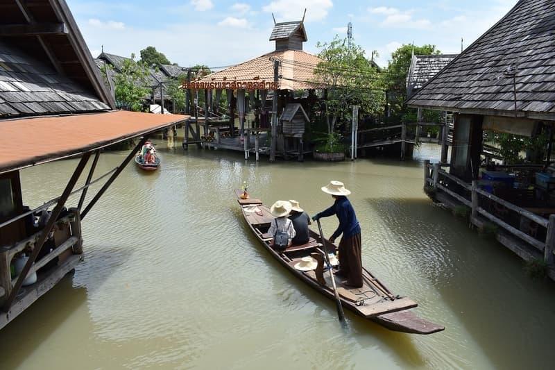 Pattaya Floating Market Deneyimi Yaşayın