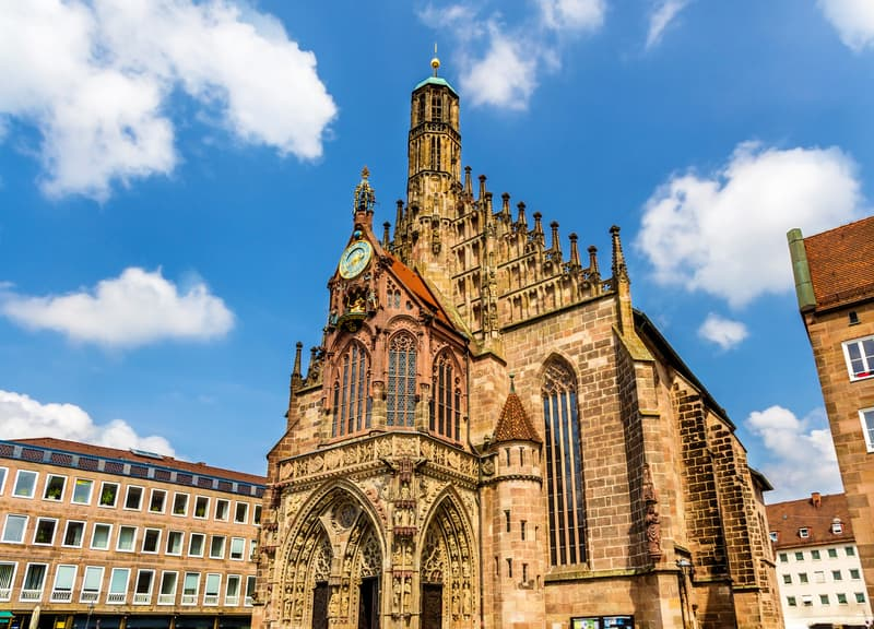 Ana Pazar ve Frauenkirche Kilisesi