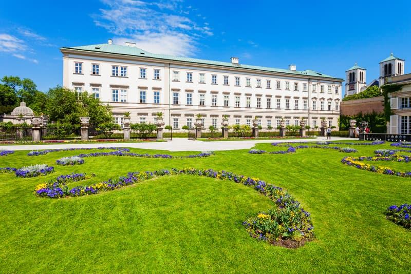 Mirabell Sarayı ve Bahçeleri