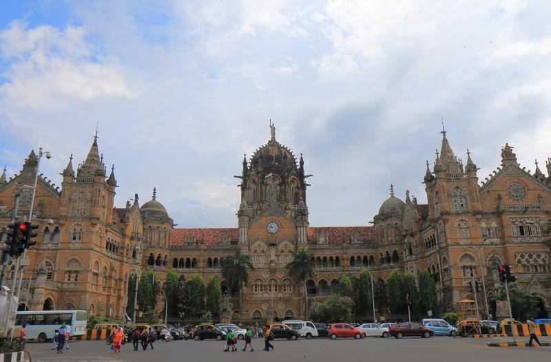 Mumbai Tren İstasyonu Mumbai Gezilecek Yerler