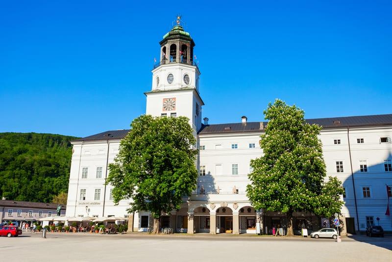 Neue Residenz ve Salzburg Müzesi