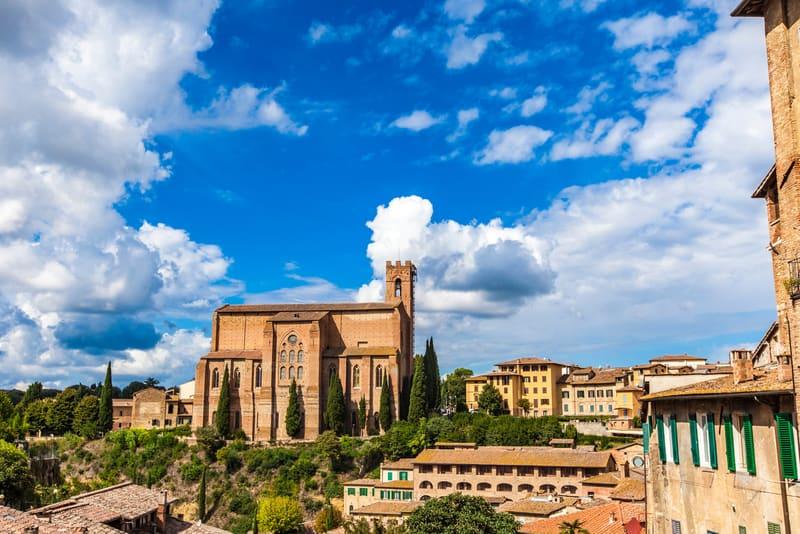 San Domenico Bazilikası - Siena'nın Gezilecek Yerleri