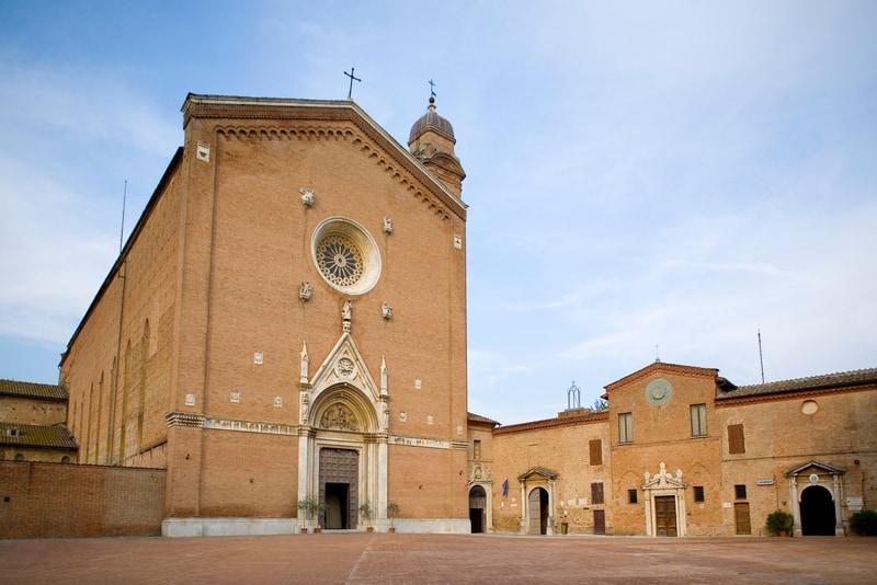 San Francesco Bazilikası - Siena Görülecek Yerler