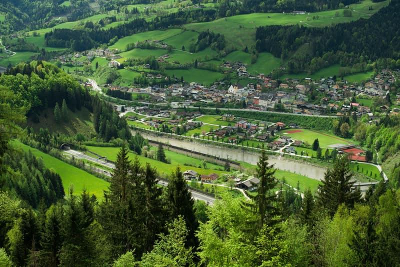 Werfen Avusturya