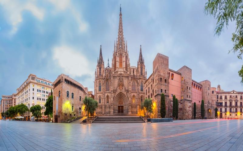 Barselona Katedrali - Barselona Gezilecek Yerler