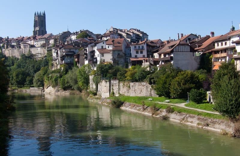 Fribourg Şehri İsviçre Gezi Rehberi