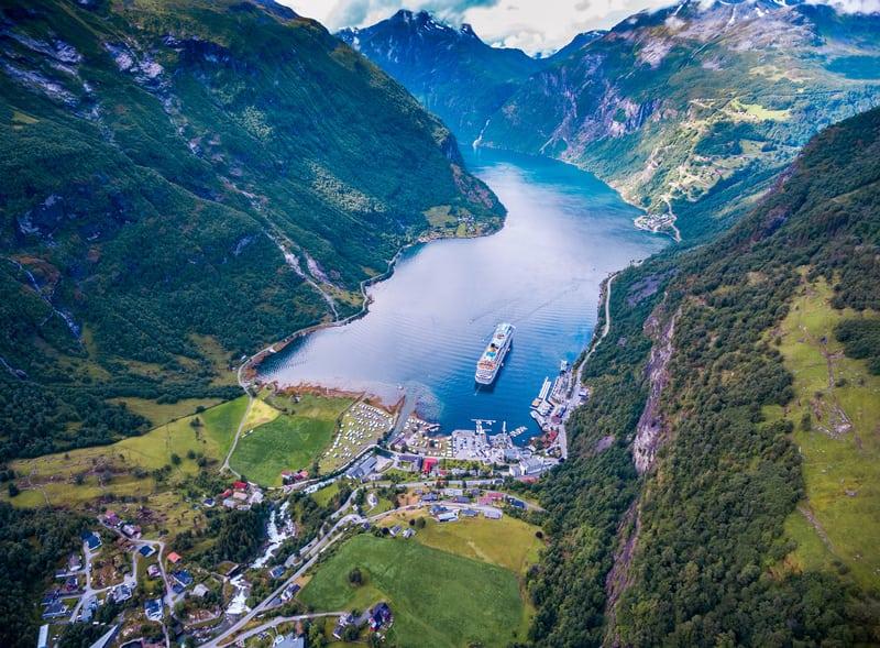 Norveç Geiranger Fiyordu