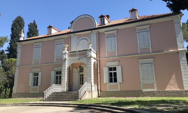 Kral Nikolas Sarayı Çağdaş Sanat Merkezi