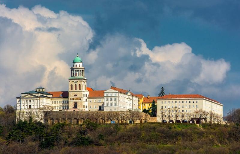 Pannonhalma Manastırı - Macaristan Gezilecek Turistik Yerler