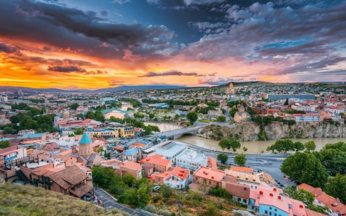 Tiflis Gezilecek Yerler - Barış Köprüsü