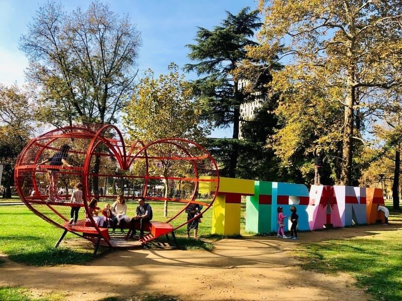 I Love Tirana Yazısı