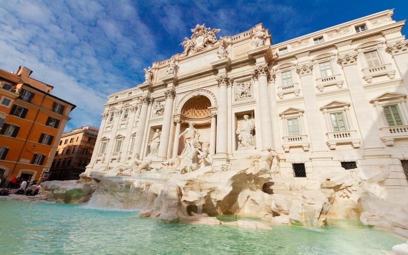 Roma - Trevi Çeşmesi