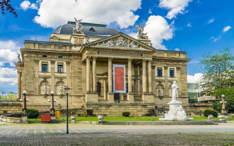 Hessisches Staatstheater Wiesbaden (Hessen Devlet Tiyatrosu)