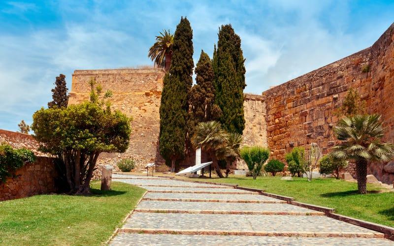 Paseo Arqueológico (Arkeolojik Yürüyüş)