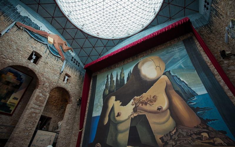 Dalí Tiyatrosu ve Müzesi Eserleri
