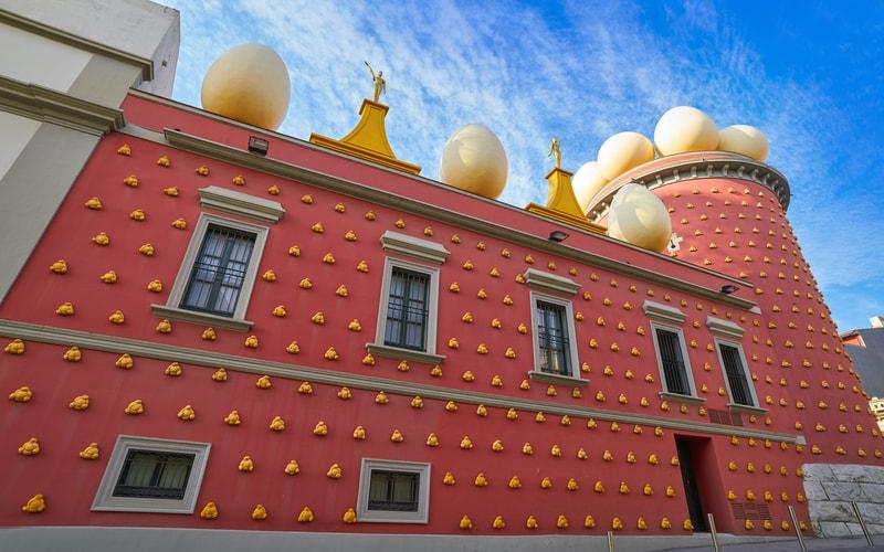Dalí Tiyatrosu ve Müzesi