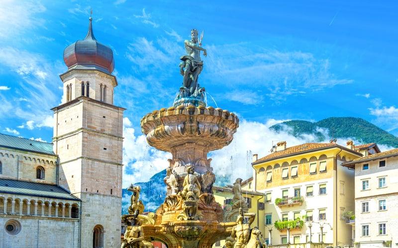 Piazza del Duomo (Katedral Meydanı)
