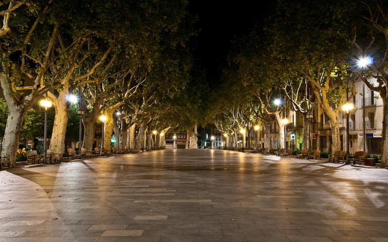 Figueres La Rambla Caddesi