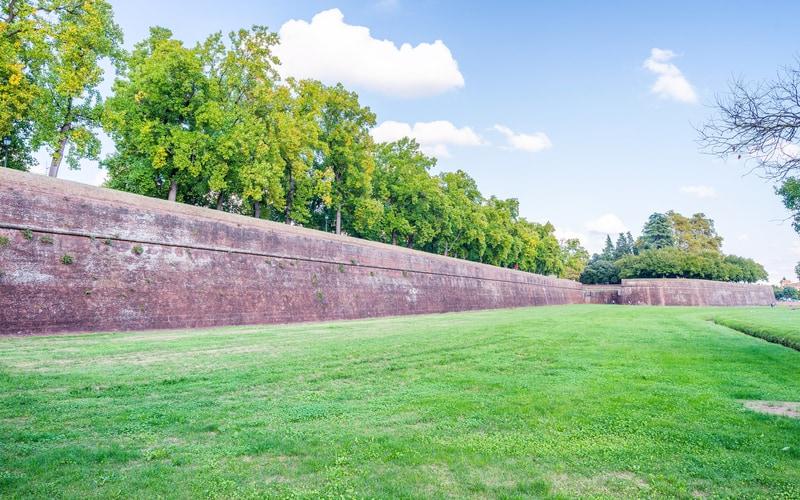 Walls of Lucca (Lucca Surları)