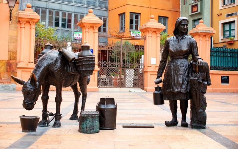 Oviedo Heykelleri - Oviedo Gezilecek Yerler