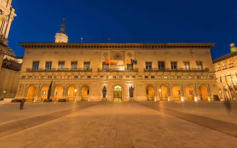 Plaza del Pilar - Zaragoza Gezilecek Yerler