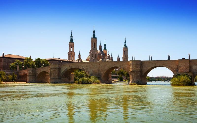 Puente de Piedra (Taş Köprü)