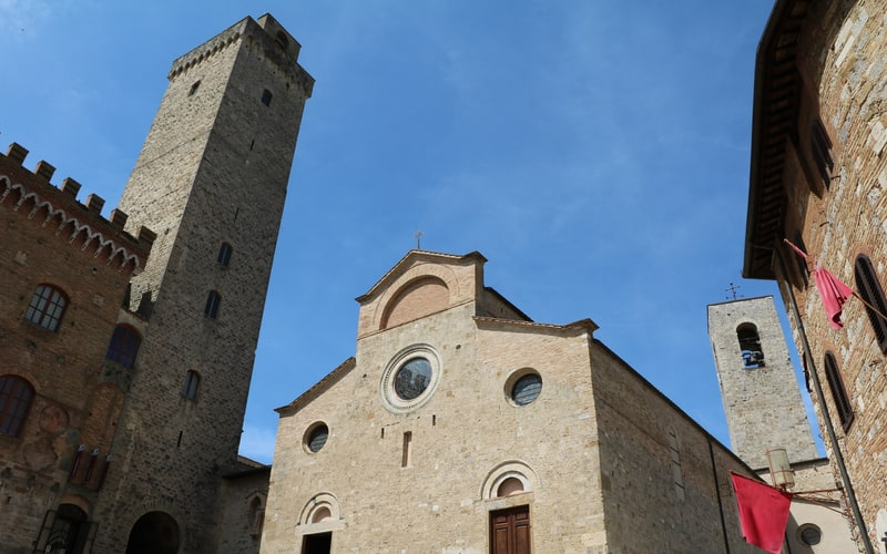 Torre Grossa (Yüksek Kule)