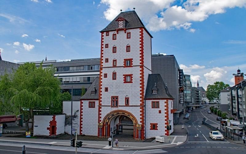 Demir ve Ahşap Kule - Mainz Gezi Rehberi